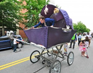 Race-GiantBabyCarriage2